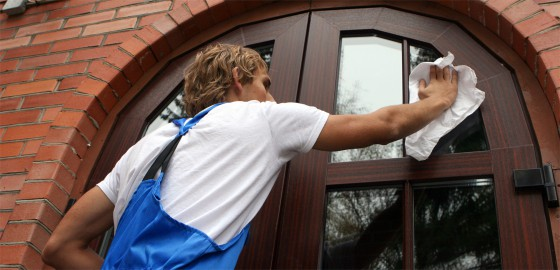 Residential-Facilities-Management-window-cleaning